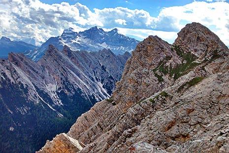 Urcand muntii